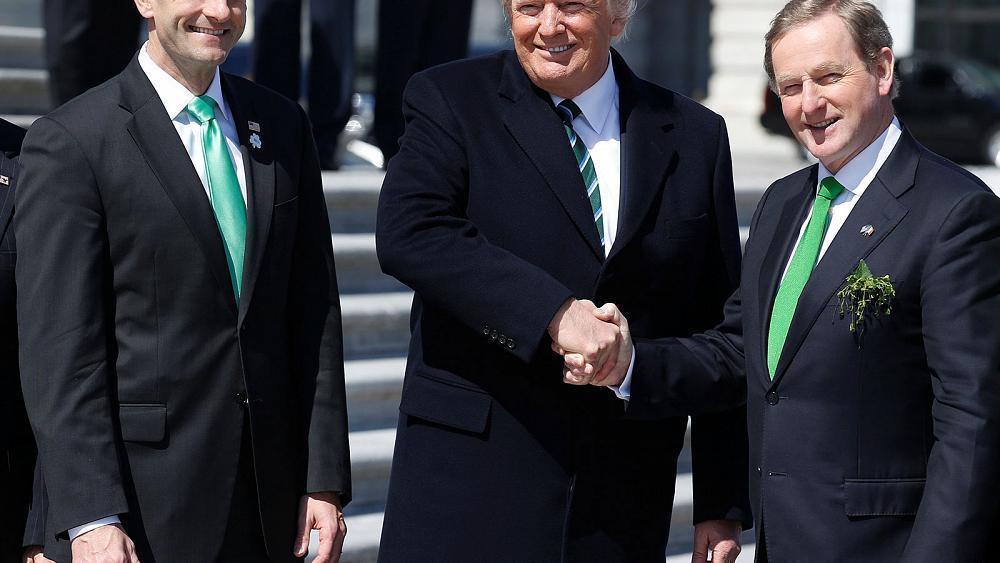 Primer Ministro de Irlanda exhorta a Trump a proteger a inmigrantes… irlandeses