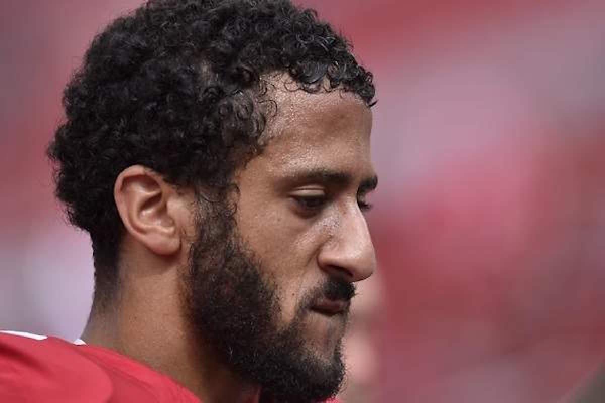 Colin Kaepernick no encuentra equipo en la NFL por culpa de Donald Trump