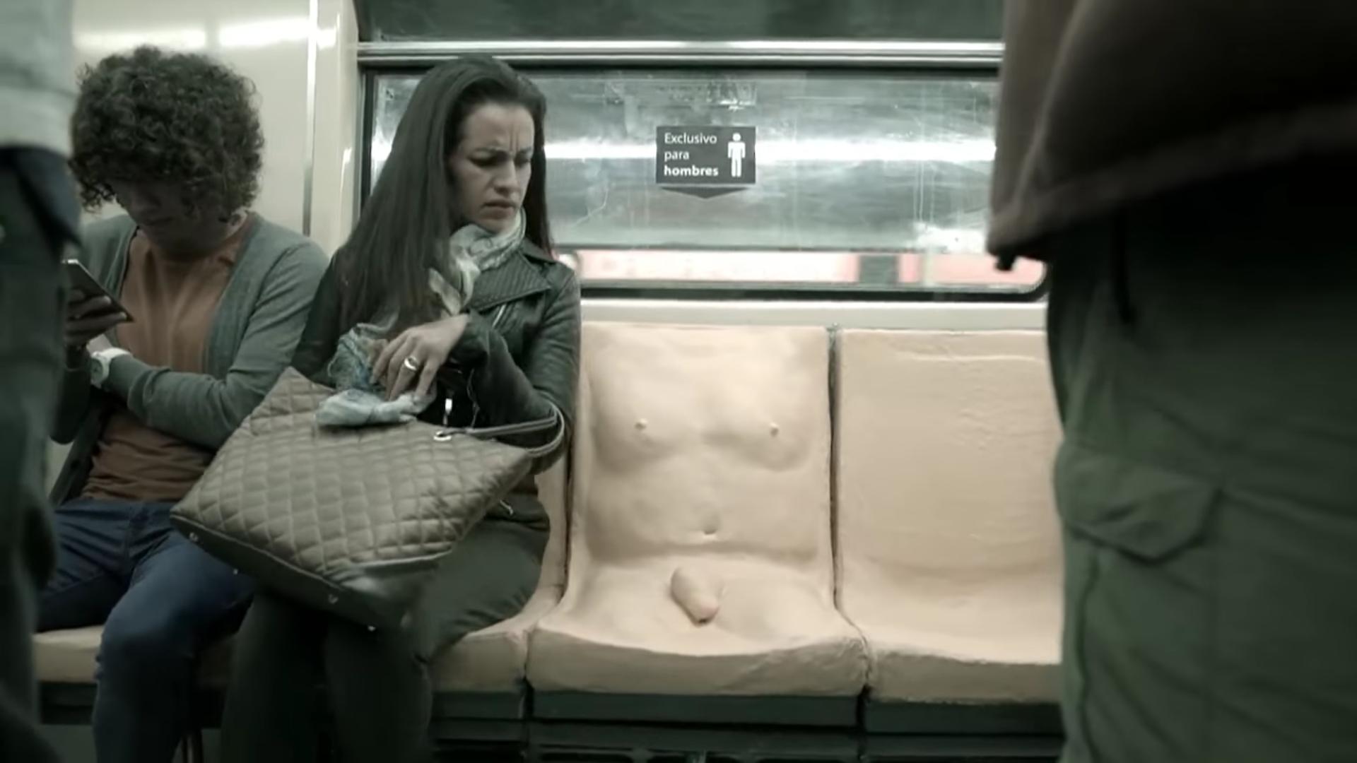 Experimento asiento saca la educación de todos en el metro