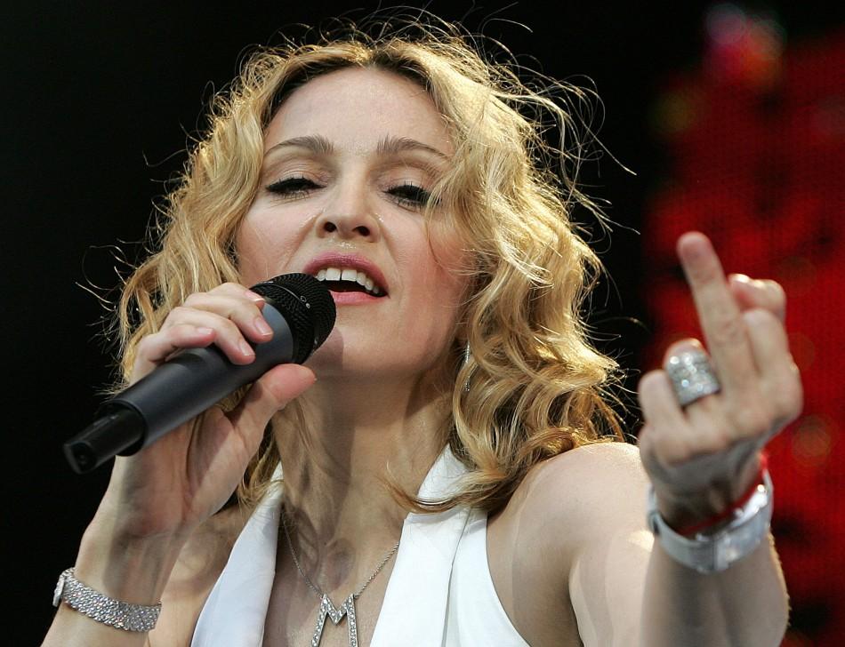 Madonna se enoja porque lanzarán película basada en su vida