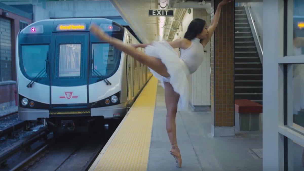 Toronto tiene la campaña de publicidad de transporte público más elegante del mundo