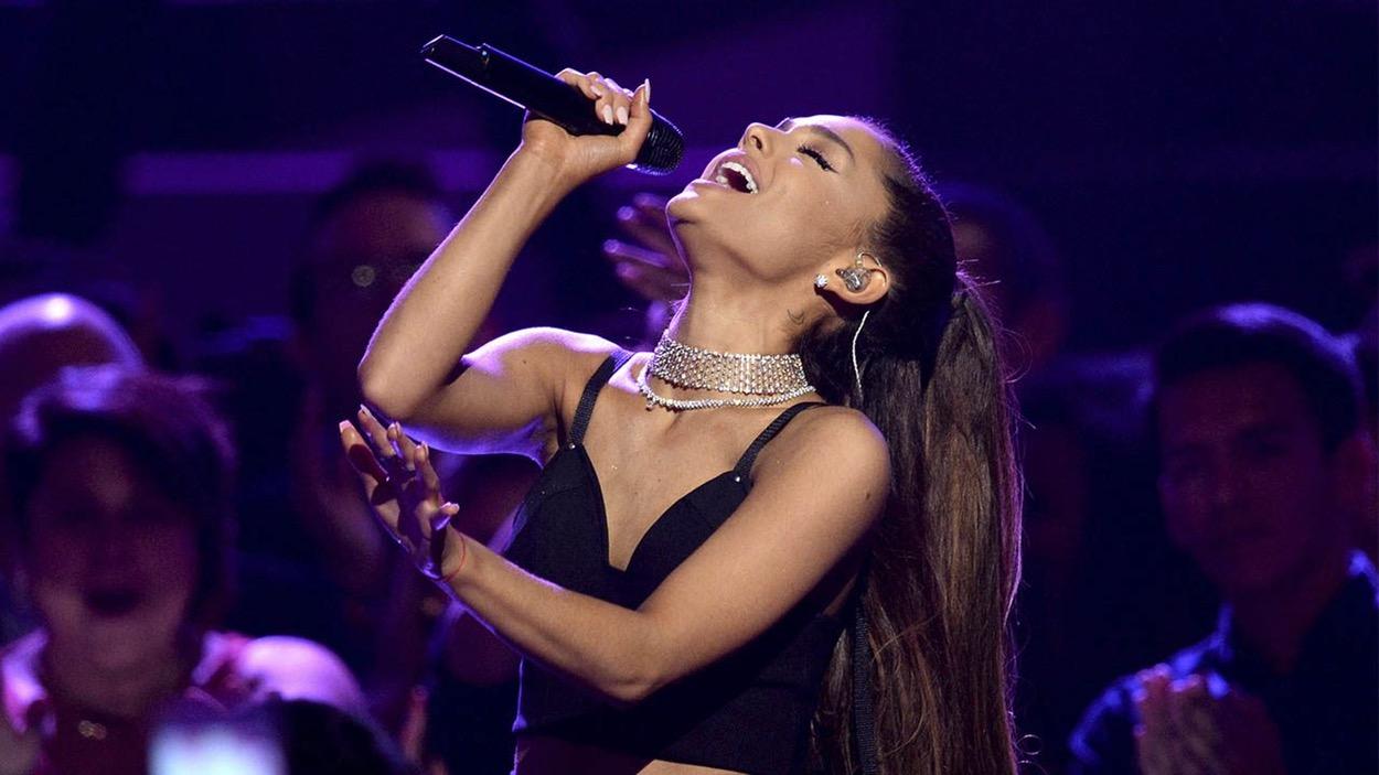 Ariana Grande es nombrada la Mujer del Año por Billboard