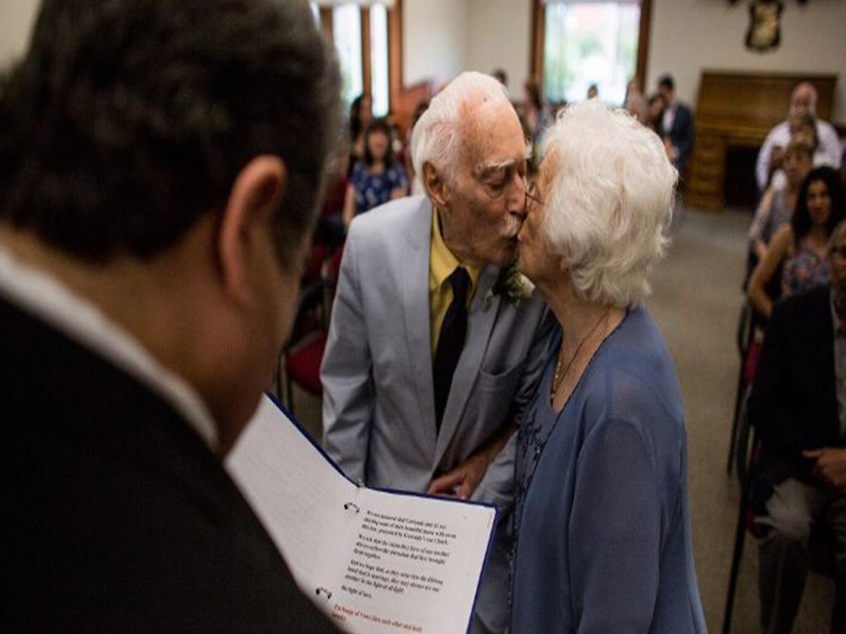Abuelitos nonagenarios conocieron gimnasio contraen matrimonio