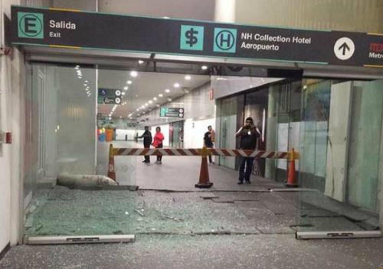 El temblor dej bastantes da os en el aeropuerto de la cdmx for Puerta 19 benito villamarin