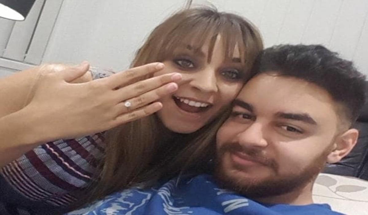 Mónica y Philo después de su compromiso