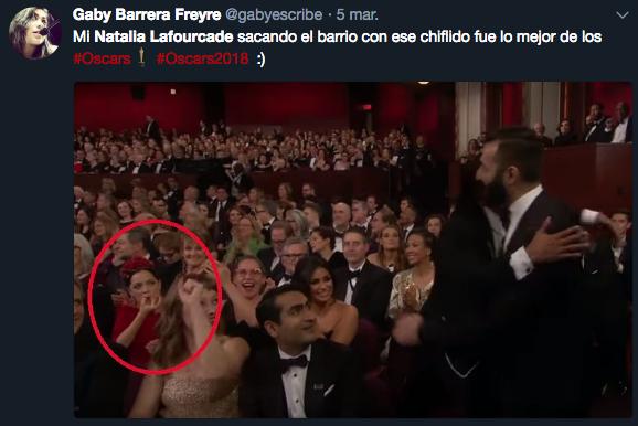 Natalia Lafourcade chiflando en los Oscar