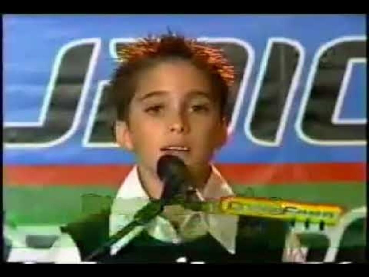 Diego Boneta Luis Miguel Interpretó Cantante
