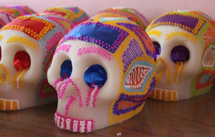 mantequilla-cafe-pasas-dulces-feos-infancia-mexicana-laposse