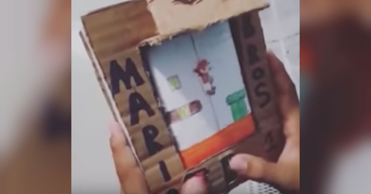 video-youtube-ruben-nino-disena-propio-gameboy-mario-carton