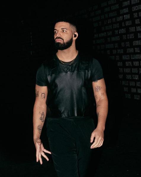 Drake rompe record de The Beatles en Billboard