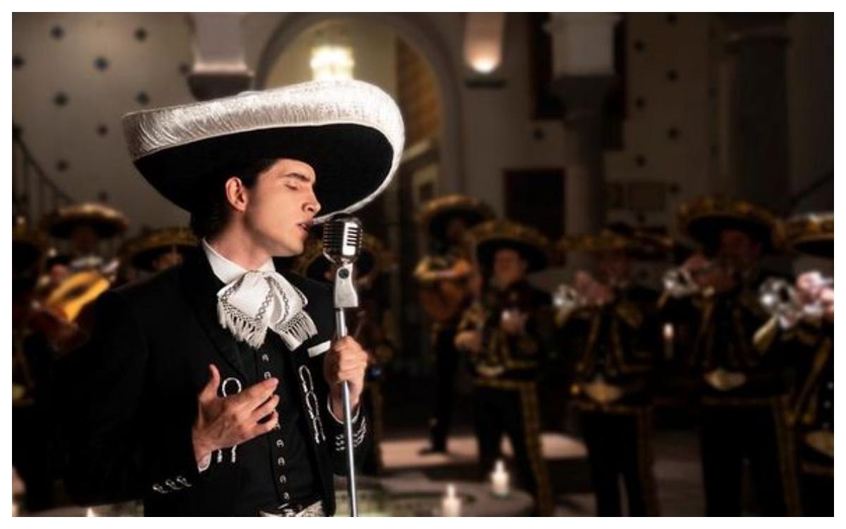 El hijo de Alejandro Fernández debutó en la música