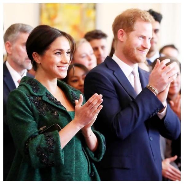 Príncipe Carlos no quería que Meghan y Harry se casaran