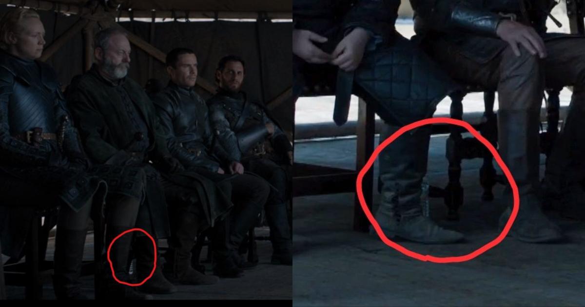 Botella De Agua En Game Of Thrones, Game Of Thrones Botella De Agua, Botella de agua se cuela en final de Game of Thrones, Agua, Agua Embotellada, Vaso Café Game Of Thrones