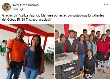 Yalitza Aparicio regala computadoras escuela de Tlaxiaco