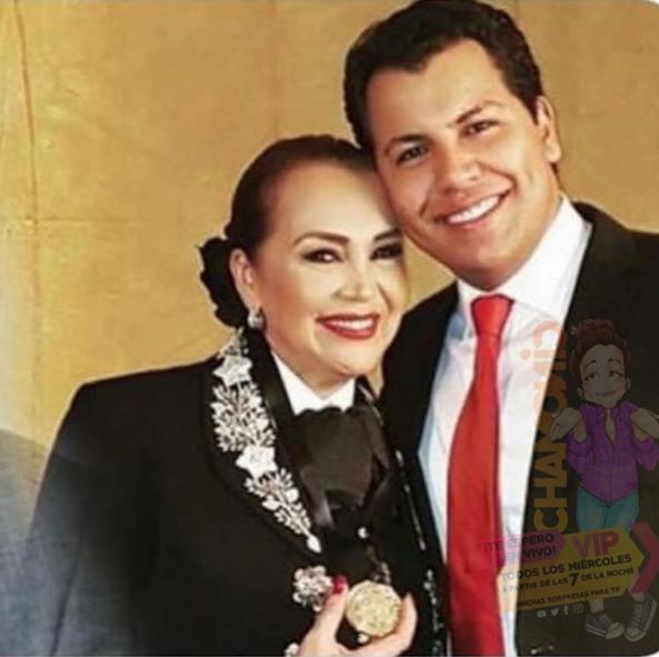 Aseguran que Aida Cuevas tuvo un hijo con Juan Gabriel