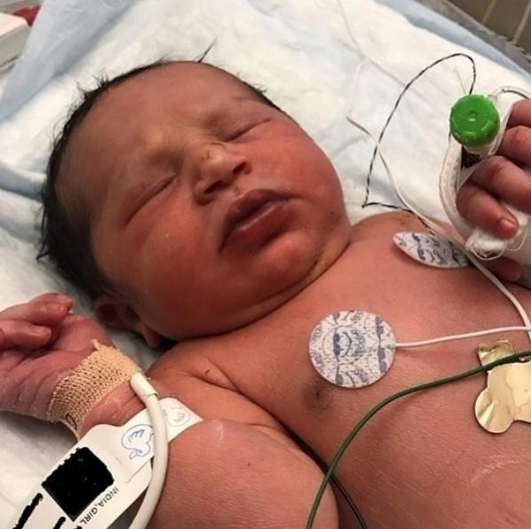 Más de mil personas quieren adoptar a Baby India en Georgia
