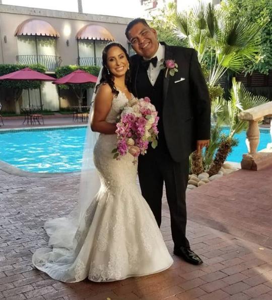 Amlo se cuela a una boda en Tijuana