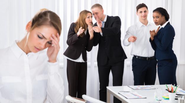 Ser chismoso es bueno para la salud según la ciencia
