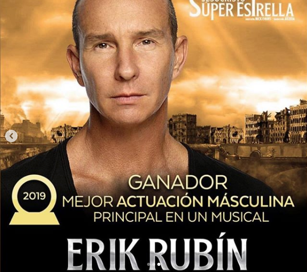 Andrea Legarreta felicita a Erik Rubín por premio que recibió