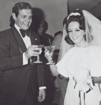 Chilindrina publica fotos inéditas de su boda con Gabriel Fernández